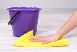 Nettoyer facilement les planchers de vinyle sans cirage