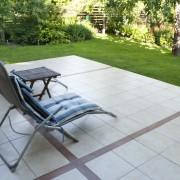 Décorez votre patio avec des meubles récupérés