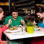 Stratégies pour une alimentation saine en milieu de travail