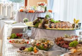Moyens simples pour réduire le budget d'un repas de fête