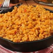 Exotique et savoureux: 2 plats de riz espagnol et thaïlandais