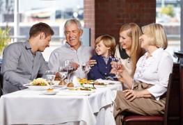 2 conseils rapides pour être de bonne compagnie au restaurant