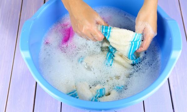 4 conseils pour laver votre linge d licat trucs pratiques. Black Bedroom Furniture Sets. Home Design Ideas