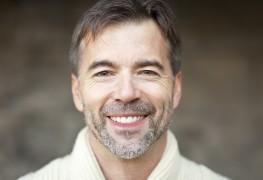 Prévenir et limiter la chute des cheveux: ce qu'il faut savoir