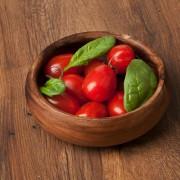 Pourquoi vous devriez manger des tomates et des épinards