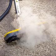 Comment nettoyer à sec une moquette