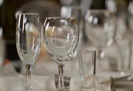4 conseils faciles pour nettoyer le cristal sans le ternir