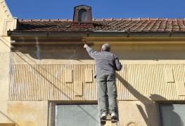 Conseils pratiques pour restaurer les murs et les plafonds des vieux bâtiments