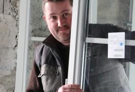 Comment poser une fenêtre en 8 étapes