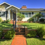 3 signes qu'il est temps de vendre la maison familiale