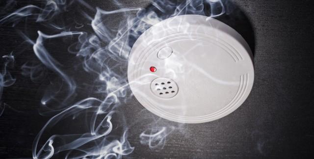Déshumidificateur et détecteur de fumée : guide d'entretien simple