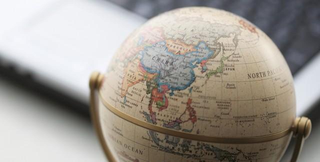 Faut-il produire une déclaration d'impôts lorsqu'on est à l'étranger?