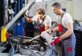 À faire et ne pas faire lors de l'entretien d'une voiture pour économiserÀ faire et ne pas faire lors de l'entretien d'une voiture pour économiser
