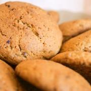 Biscuitsd'avoine aux abricots et aux pépitesde chocolat