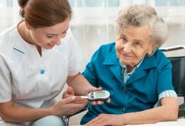 Aidez vos êtres chers vieillissants à gérer le diabète