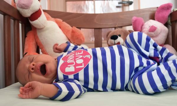 Quand bébé peut-il dormir avec une couverture en toute sécurité?