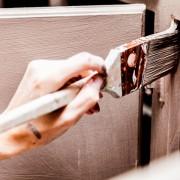 Comment peindre vos propres armoires de cuisine