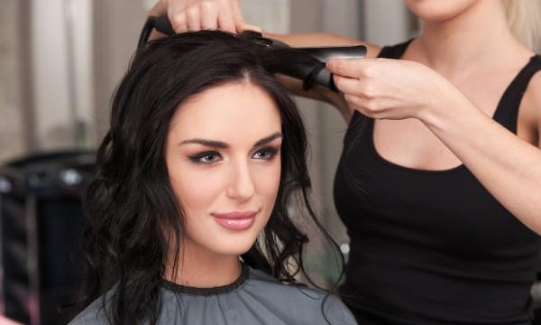 Trouvez la meilleure coupe de cheveux selon votre forme de visage