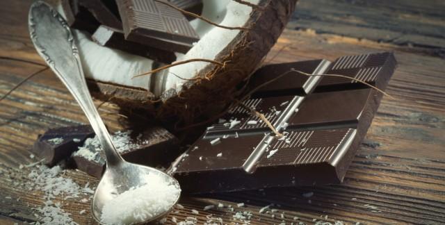 Sagesse en cuisine: chocolat fondu, noix de coco etcarrés au chocolat infaillibles