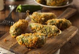 Recette saine de poppers croustillants au piment jalapeño et poivrons rôtis