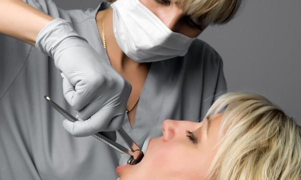 Une extraction de dents est nécessaire? N'attendez pas!