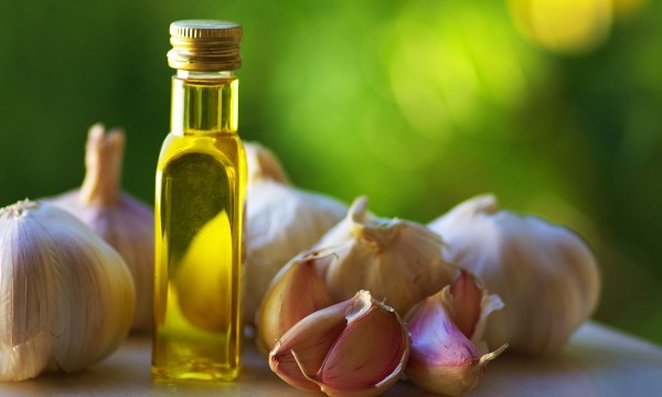 The healing properties of garlic and olive oil |  Tips ...