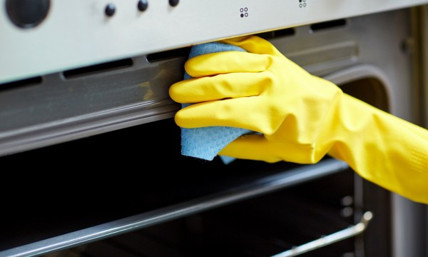 Comment nettoyer votre four sans difficultés
