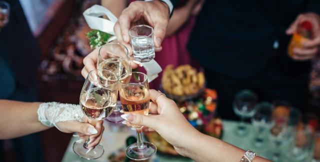 3 façons élégantesde servir une foule pour moins cher