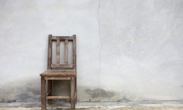R parer les meubles en bois 9 conseils astucieux trucs - Reparer un meuble en bois ...