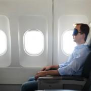 5 conseils pour dormir à bord d'un avion