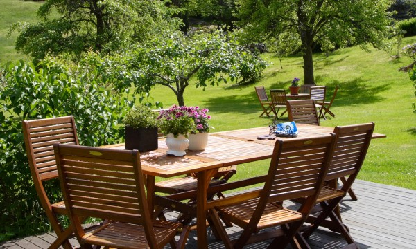 6 façons de prendre soin de 4 types de meubles de terrasse
