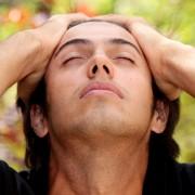 Pourquoi ai-je mal à la tête tout le temps?