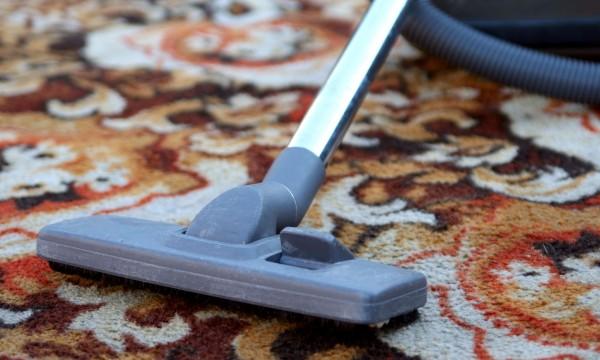6 trucs maison pour bien nettoyer les tapis trucs pratiques. Black Bedroom Furniture Sets. Home Design Ideas