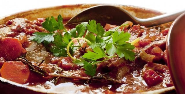 Poulet au four et ragoût de bœuf: 2 recettes succulentes