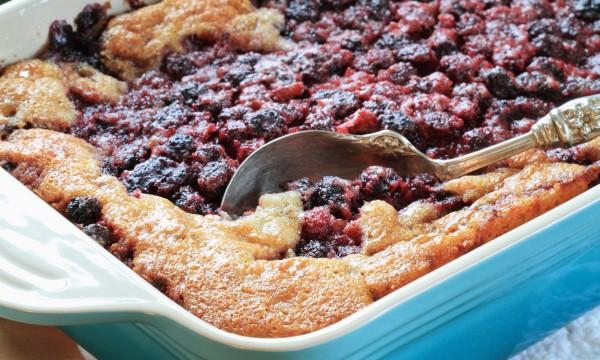 2 recettes estivales de cobbler aux fruits que vous allez adorer