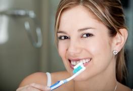 Des solutions naturelles pour une santé bucco-dentaire optimale