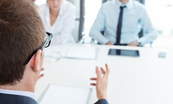 Devez-vous effectuer un suivi après une entrevue d'embauche?