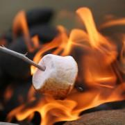 3 étapes pour créer un feu de cuisson à l'extérieur