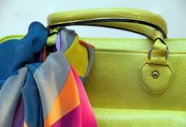 Comment les femmes à la mode épargnent en portant des accessoires
