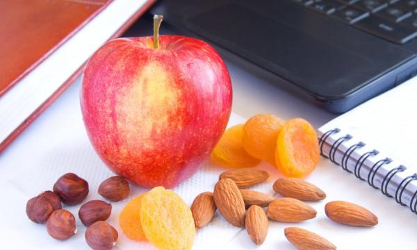 8 conseils pour une alimentation saine au travail