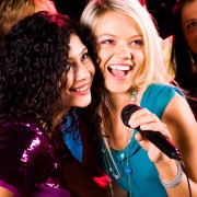 5 conseils pour vous aiderà chanter au karaoké