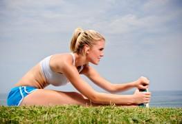 Étirements de jambe stimulants pour uneroutine d'exercices avancés