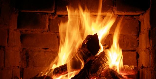 Comment faire un feu dans une cheminée ou un poêle à bois