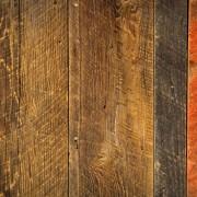 Conseils d'expert pour nettoyer les murs carrelés ou lambrissés