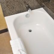 Rénover ou restaurer pour raviver une vieille baignoire