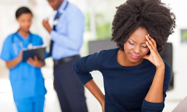 Quelles sont les causes d'un accident vasculaire cérébral (AVC)?
