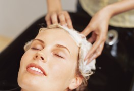 4 pistes à suivre pour dénicher le salon de coiffure de vos rêves!
