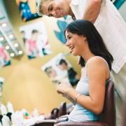 Votre coiffeur a-t-il la tête de l'emploi?