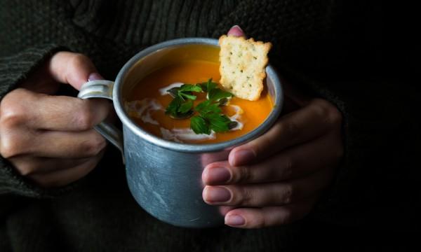 15 soupes savoureuses pour aider à chasser le froid hivernal