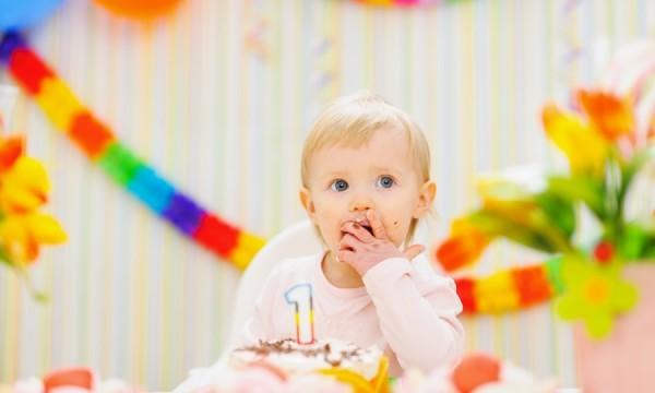 Conseils pour organiser la première fête d'anniversaire de bébé